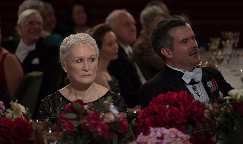 Glenn Close plays Joan Castleman, the long-suffering wife of novelist Joe Castleman (Jonathan Pryce).
