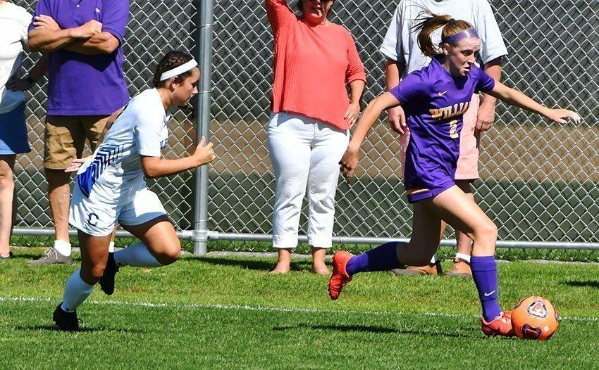 Sarah Kelly '20 contributed an assist and helped orchestrate the offense with timely passing as women's soccer extended its win streak to five. Photo Courtesy of Sports Information.