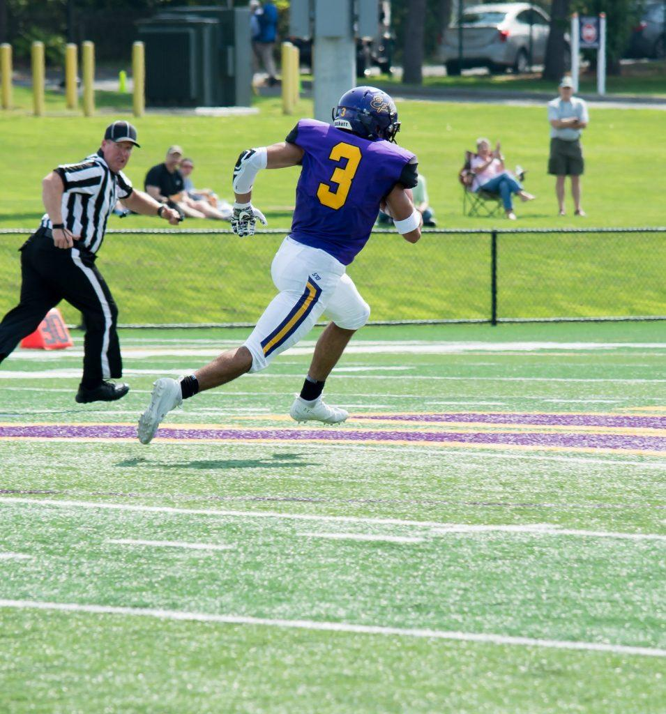 Frank Stola 21 had eight receptions for 82 yards against Bowdoin. Photo Courtesy of Sports Information.