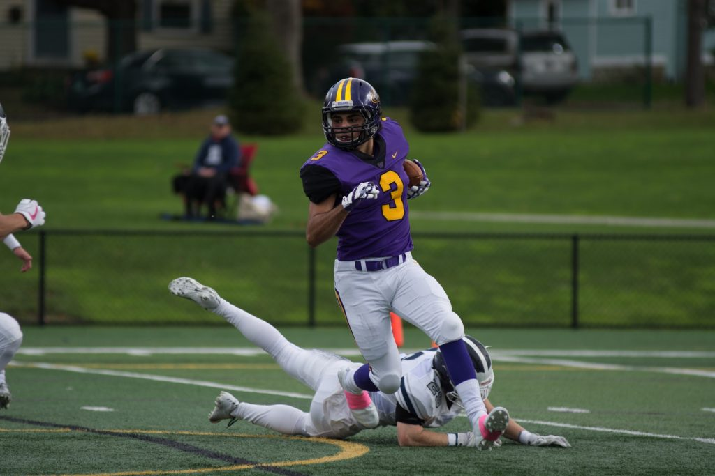 Frank Stola '21 had 88 receiving yards and two touchdowns as the Ephs fell to the Mammoths 14-45. Photo Courtesy of Sports Information.