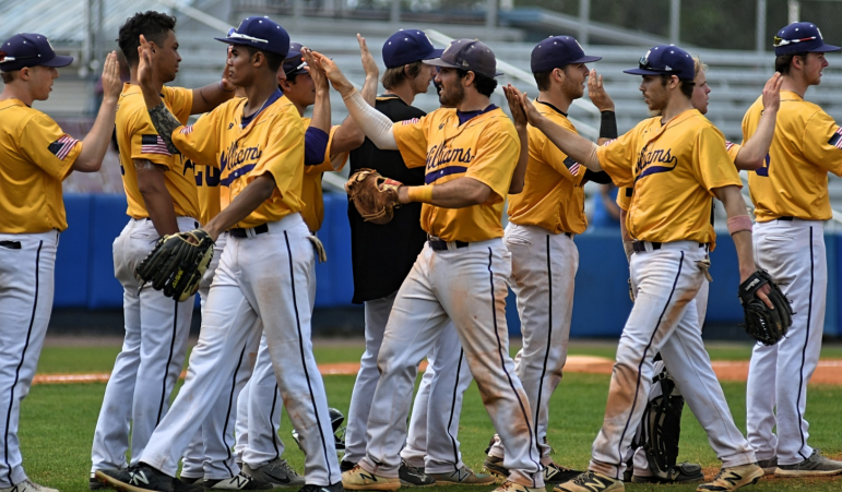 The Ephs traveled to Florida for spring break and compiled a 12-1 record to start their season. The men upset No. 16 Johns Hopkins on March 22. Photo courtesy of Sports Information.