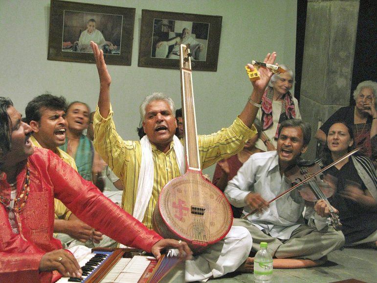 Prahlad Singh Tipanya brings inspiring music to the College