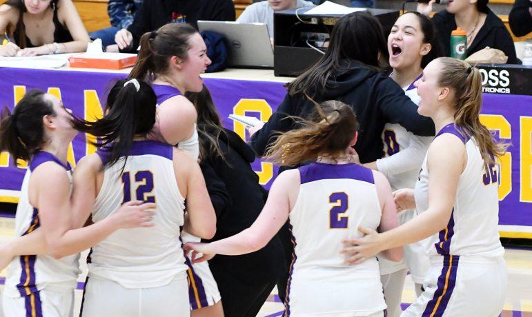 Women's basketball heads to NESCAC semifinals