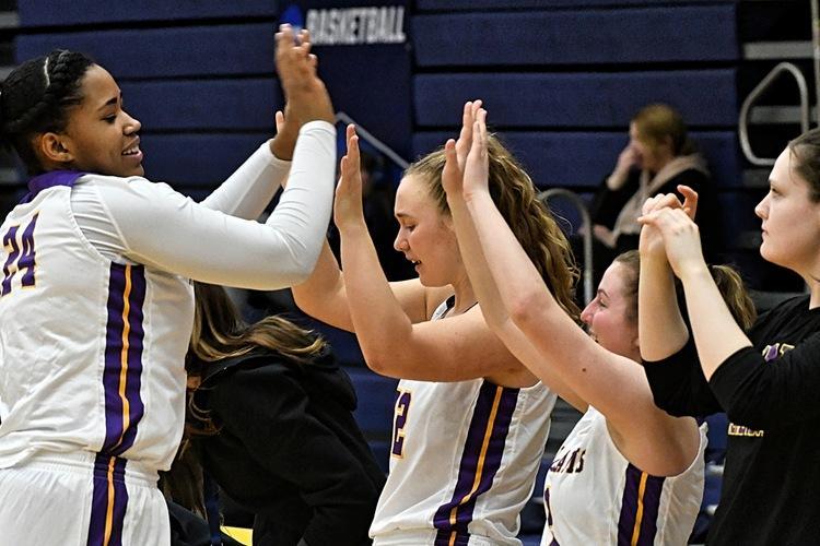 Women's basketball beats Albright, Ithaca, advances to Sweet Sixteen