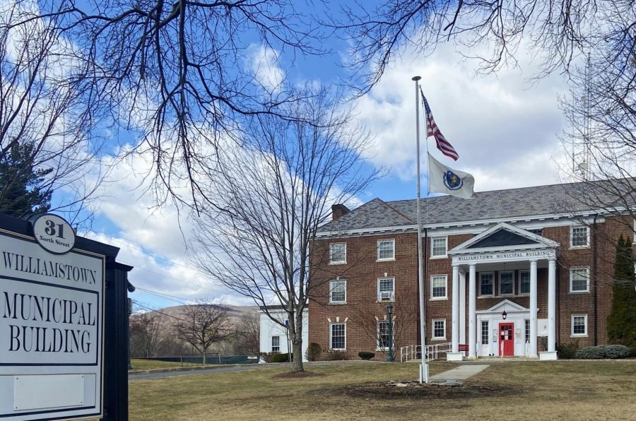 April 26 Select Board Meeting: Board votes on draft warrant; continues search for town manager, police chief
