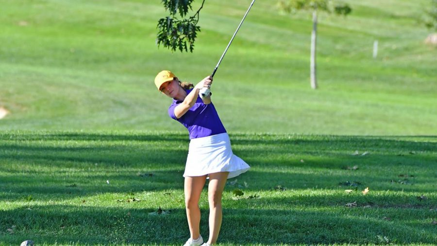Women's golf started their season hot with a first place finish at the Hamilton College Invite.
