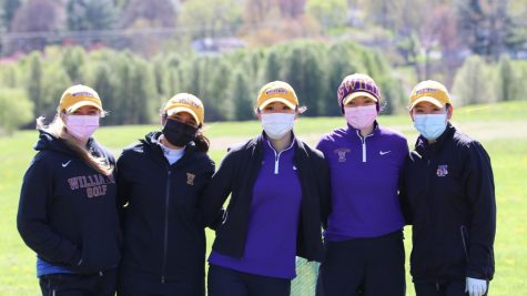 Women's golf wins fifth consecutive NESCAC title, advances to NCAA Championship