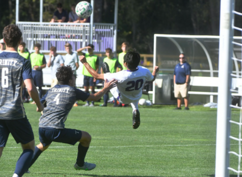 Men's soccer bounces back after last-minute loss with NESCAC win against Trinity