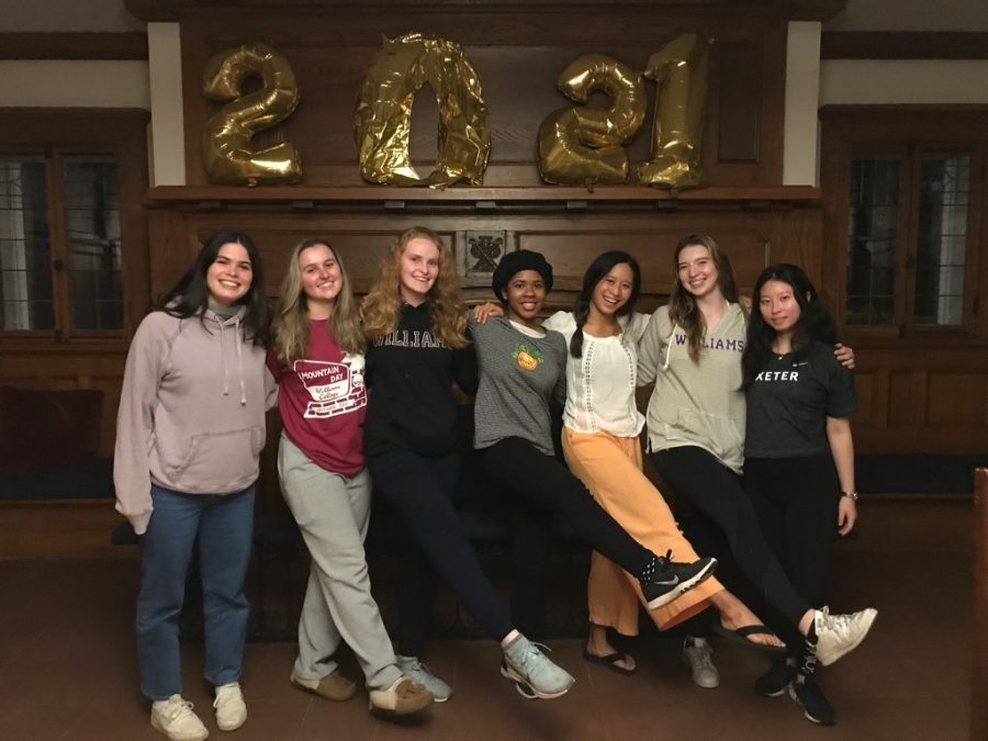 Kelsie Hao '22 (third from right) joined the Accidentals for her final year at the College. (Photo courtesy of Kelsie Hao.)