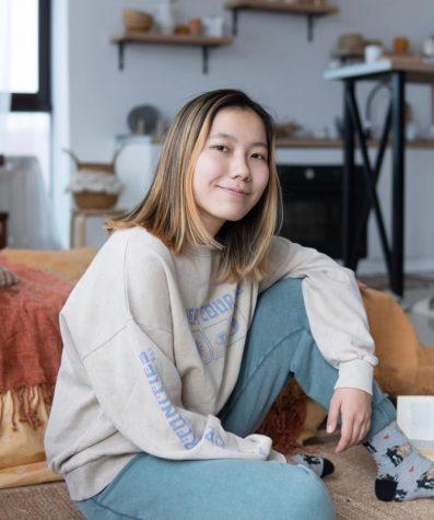 Yeldana Talgatkyzy creates college application content in Kazakh. (Photo courtesy of Yeldana Talgatkyzy.)
